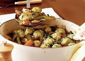 Casserole zo zeleniny a so syrovými guľkami