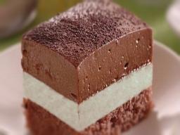 Čokoládovo jogurtový zákusok
