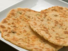 Šafranové chlebové placky